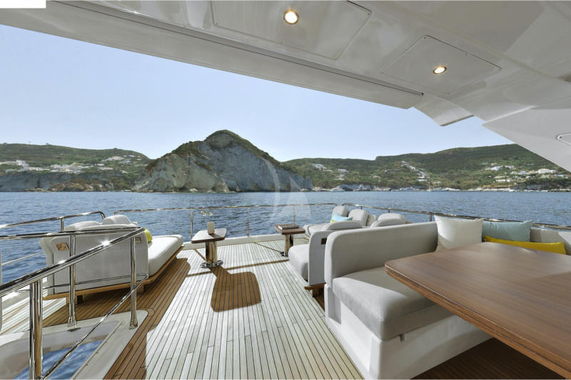 Yacht 22 mets, 4 cabines